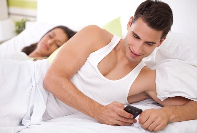 5 Dấu Hiệu Cho Thấy Đàn Ông Chán Vợ? Phụ Nữ Nên Làm Gì?