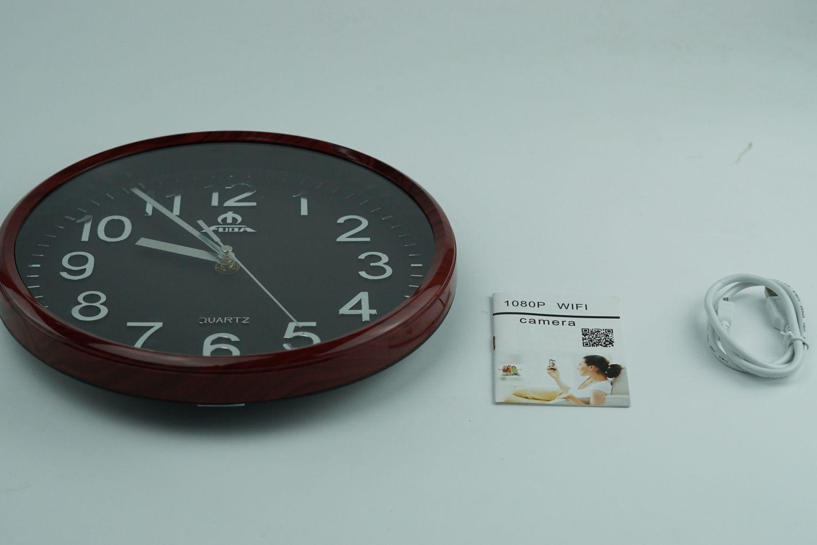 Đồng hồ camera ngụy trang